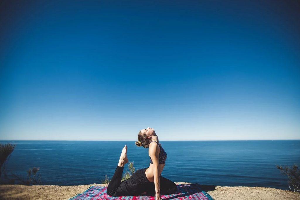 yoga med flot udsigt