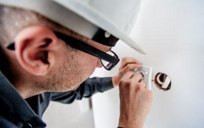 Lad en elektriker hjælpe dig – og få færre bekymringer i hverdagen